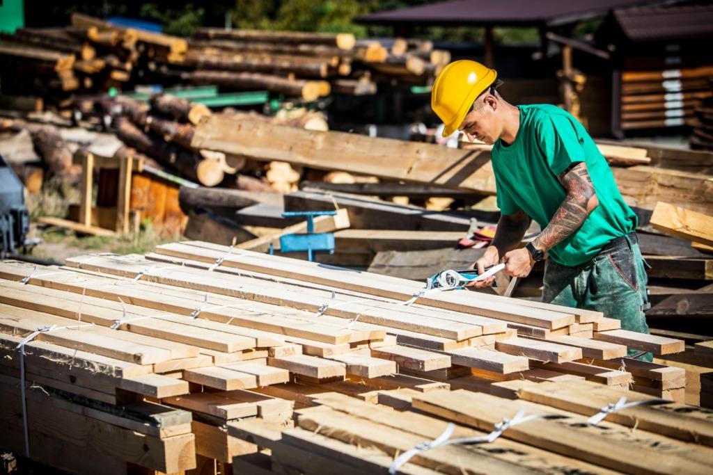 Usługi Tartaczne Produkcja Tarcicy I Sprzedaż Drewna Opałowego